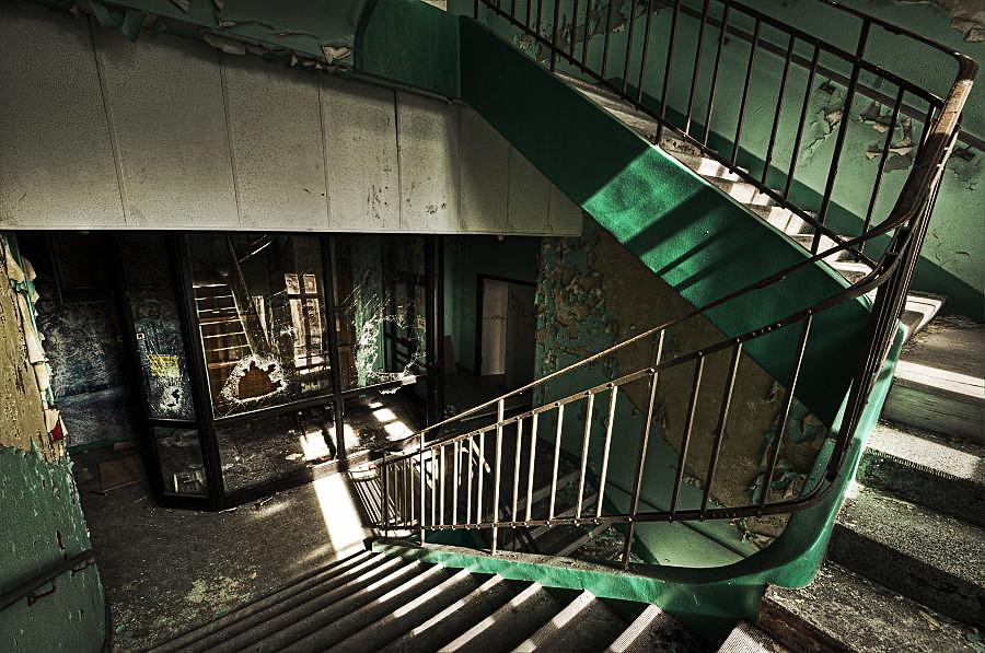 Broken Stairs by stengchen on DeviantArt