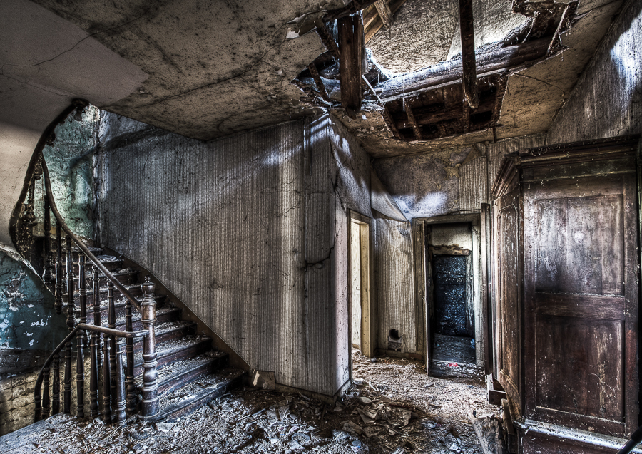 House of Decay by stengchen
