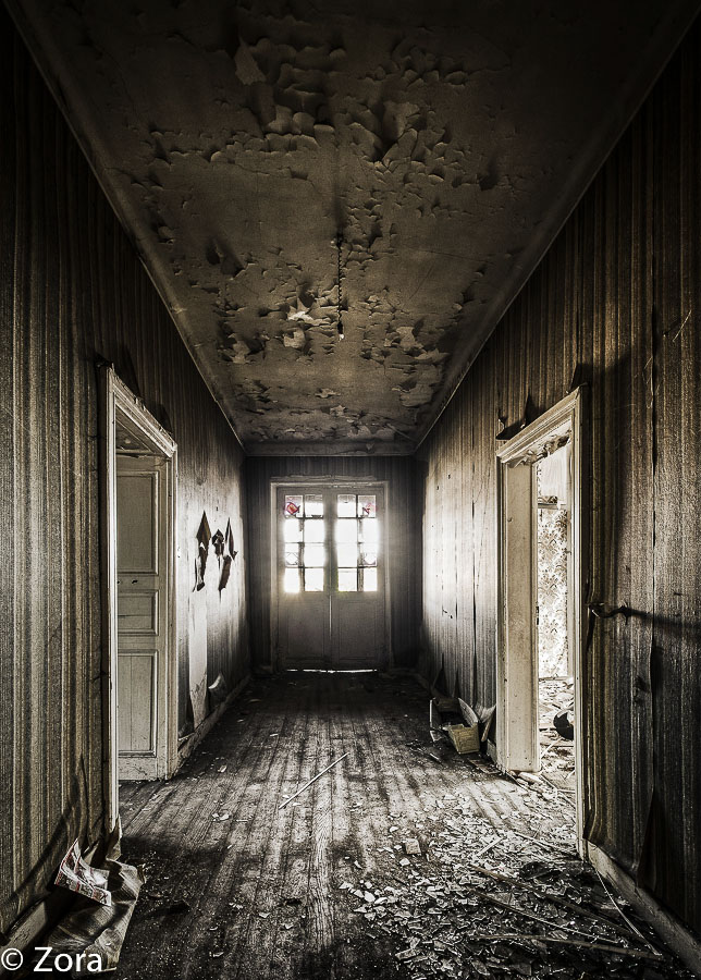 Door to the Light by stengchen