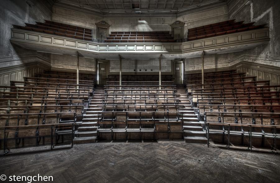 Auditorium by stengchen