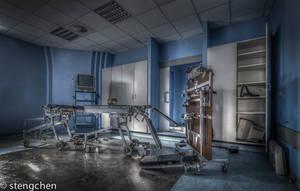 Blue Op Room by stengchen