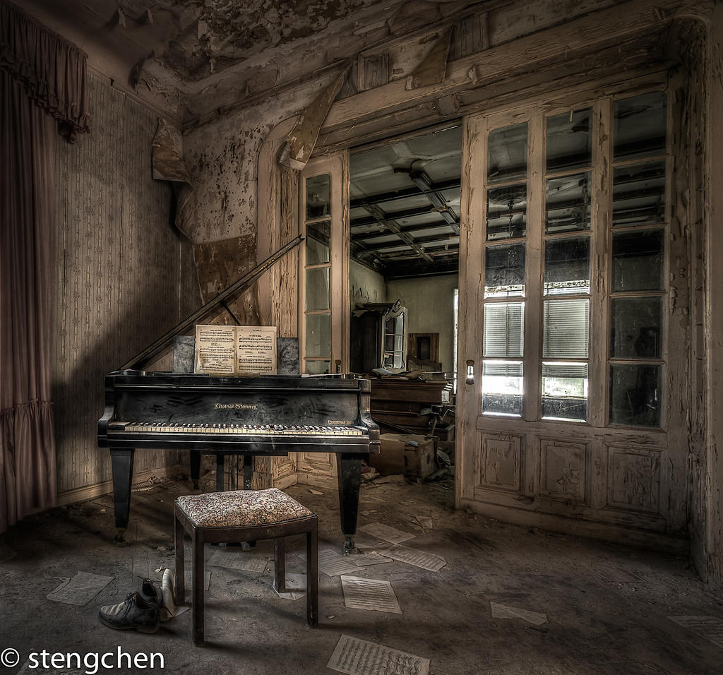 Dr Annas Piano by stengchen
