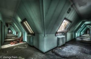 Green Corridor by stengchen