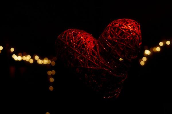 Amor Vincit Omnia by Branchewski