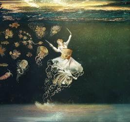 underwater venus by Yann-nguema