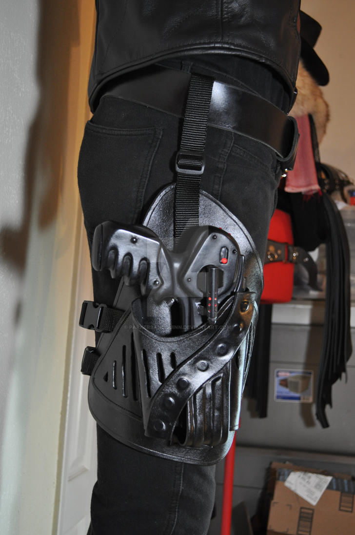 Farscape PK pulse pistol leather holster and belt by ParkersandQuinn