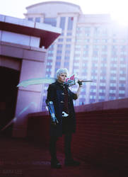 Devil May Cry 5 Nero Cosplay