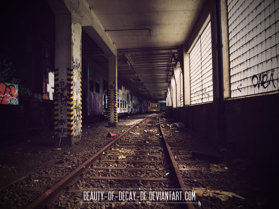 Lost train 04 by Beauty-of-Decay-de