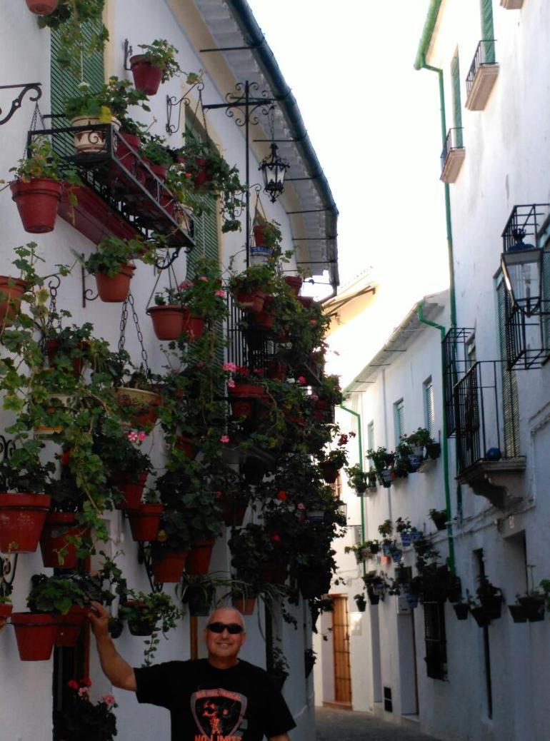 Calle en Priego III by maitelivingdeadsoul