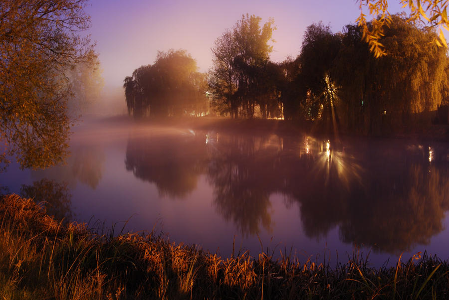 Pattenden Pond by CitizenJustin