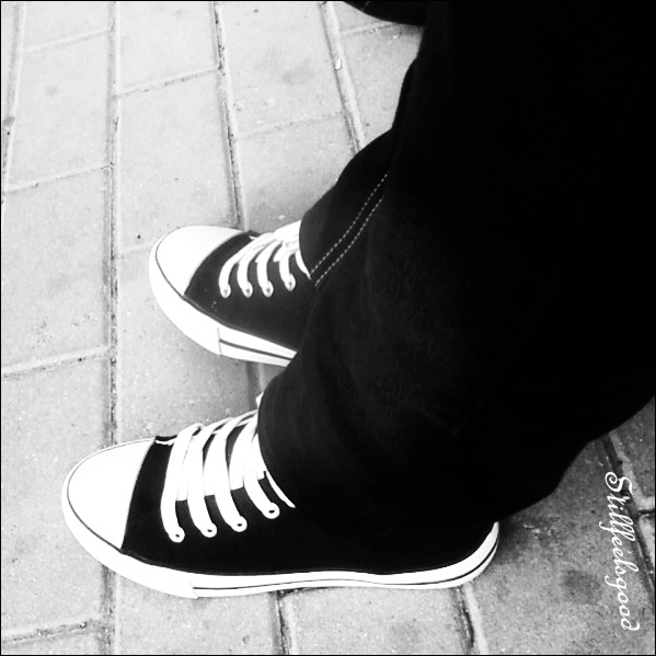converse shoes girls wearing in sad images download