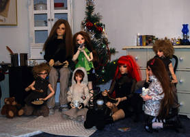 Xmas family photo by idrilkeeps