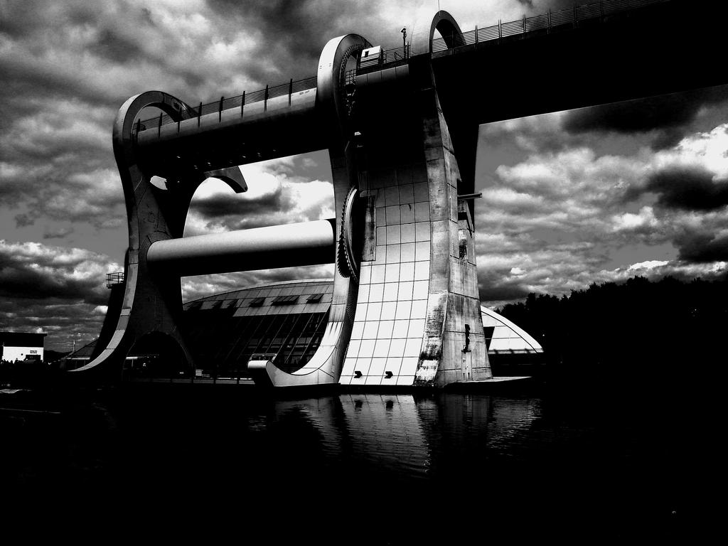 Falkirk Wheel by iriscup