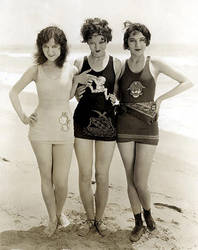 Doris Hill,Myrna Loy,Jane Winton 1926