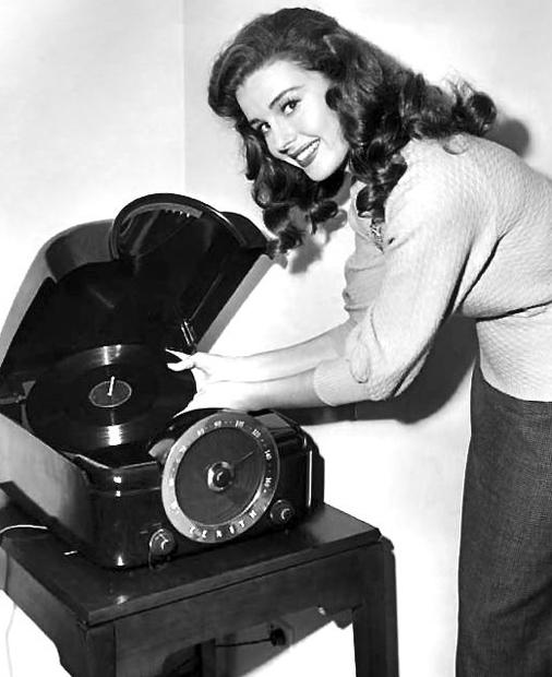 Elaine Stewart ''gotta hear some Joni records'' by slr1238