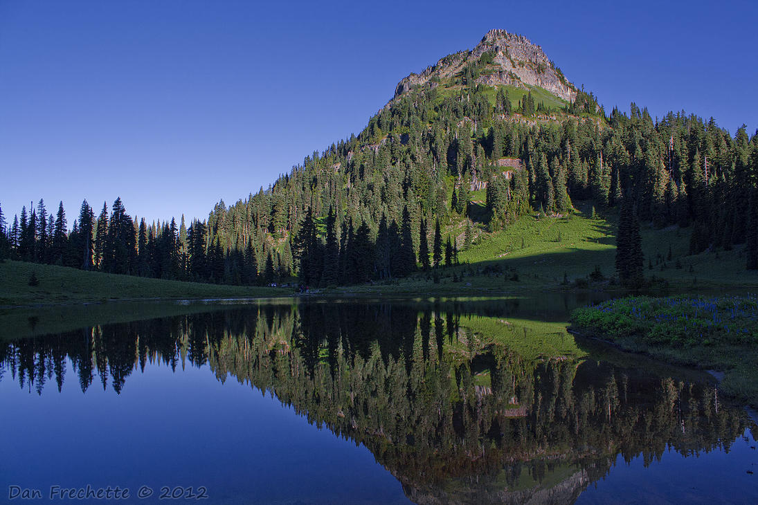 Tipsoo lake Refelection by metacom