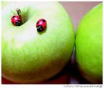 Apple? by KiArA83
