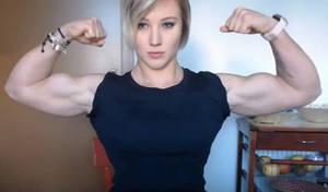 Jennifer Lawrence muscle up