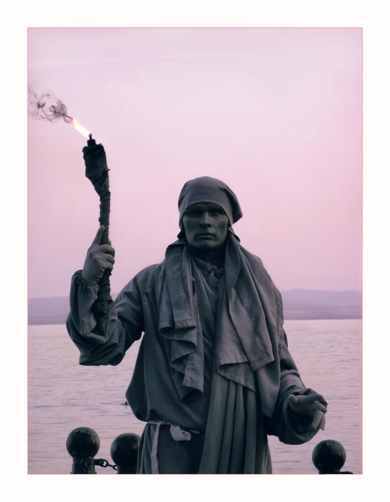 Human Statue by xGrabx