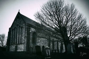 St Mary's Churchyard by domwphoto