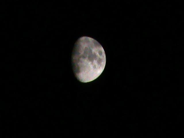 Waxing Gibbous Moon by Gingitsune-Lady-Fox