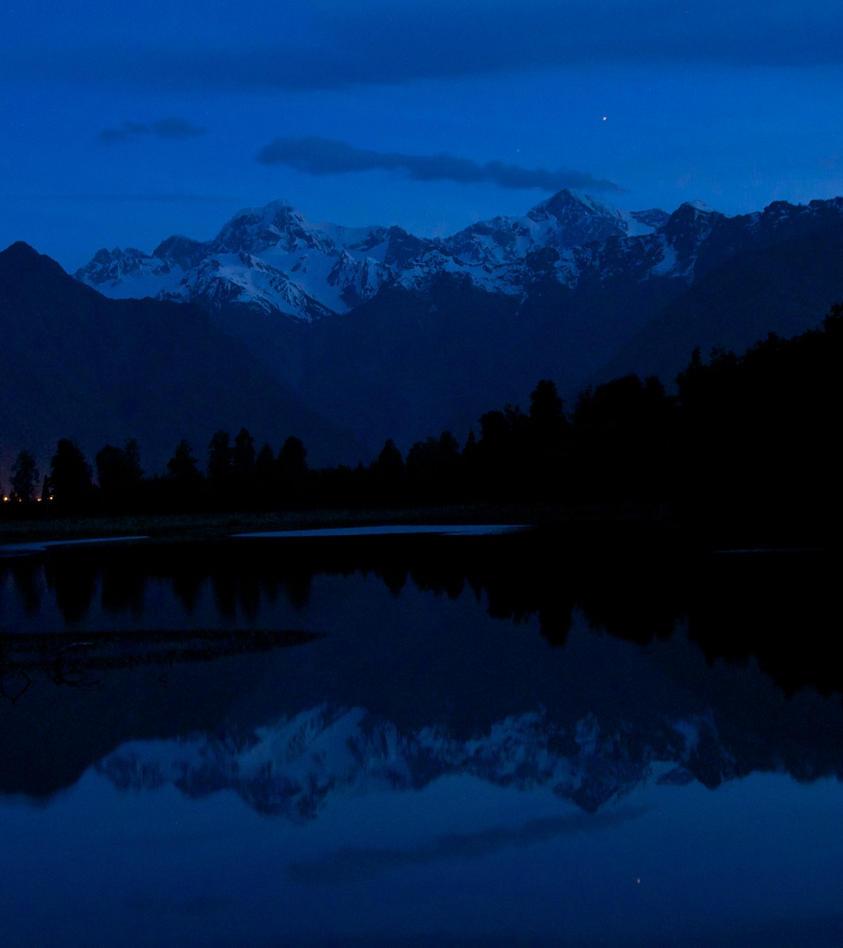 dusk over Mount Cook by silverfernn