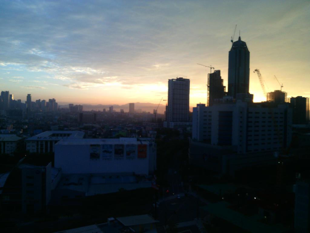 Sunrise03 by Cruxifix96