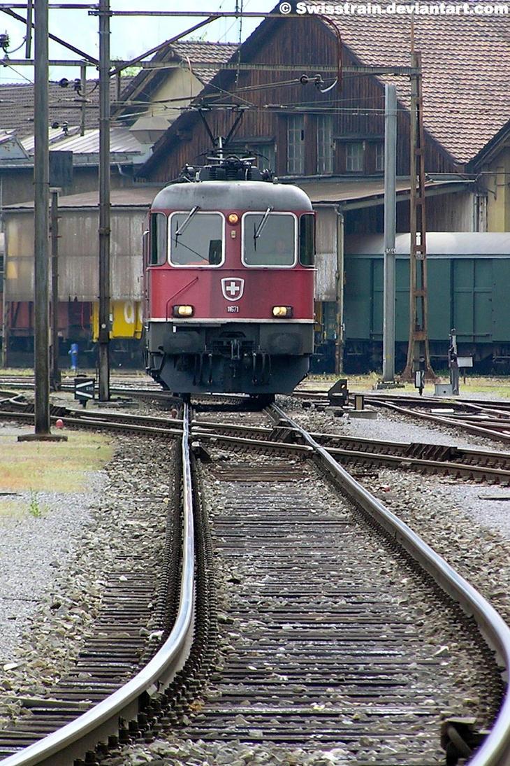 SBB Re 6-6 11671 by SwissTrain