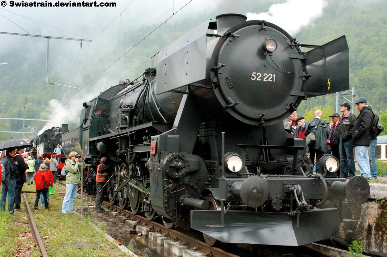 OBB BR 52 221 by SwissTrain