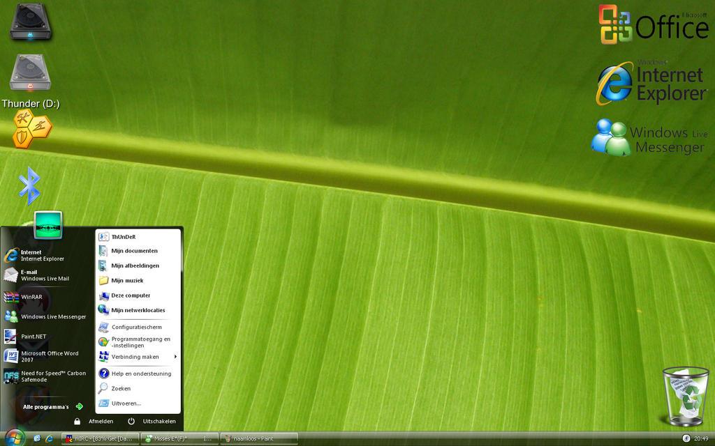 Desktop october by Thorden