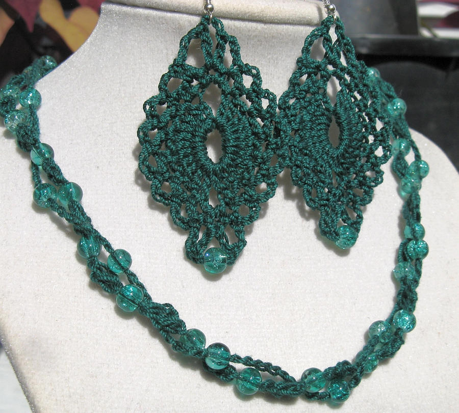 Crochet Jewelry : Forest Green 2-Strand Crochet Jewelry Set by doilydeas on DeviantArt