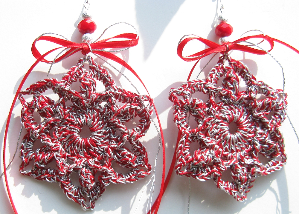 Christmas ornaments crochet red and silver by doilydeas for Christmas tree with red and silver ornaments