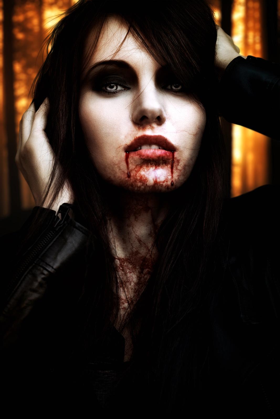 Фото красавицы вампирши 2 фотография