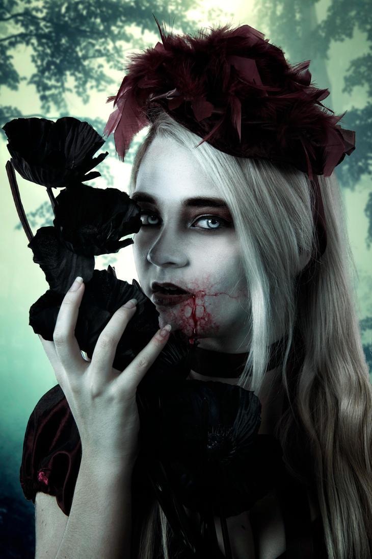 Vampire Bella (Request) by SamBriggs