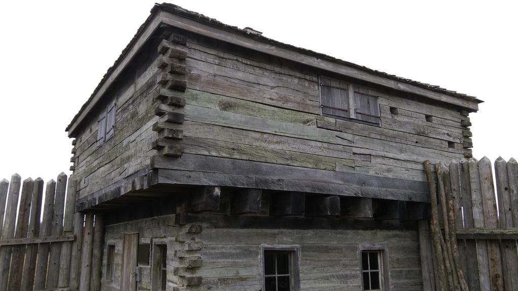 Fort Hill-Greenville Illinios by TSofian
