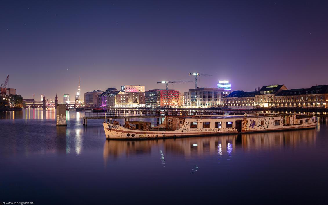 2014, Berlin - abandoned ship by Modi1985