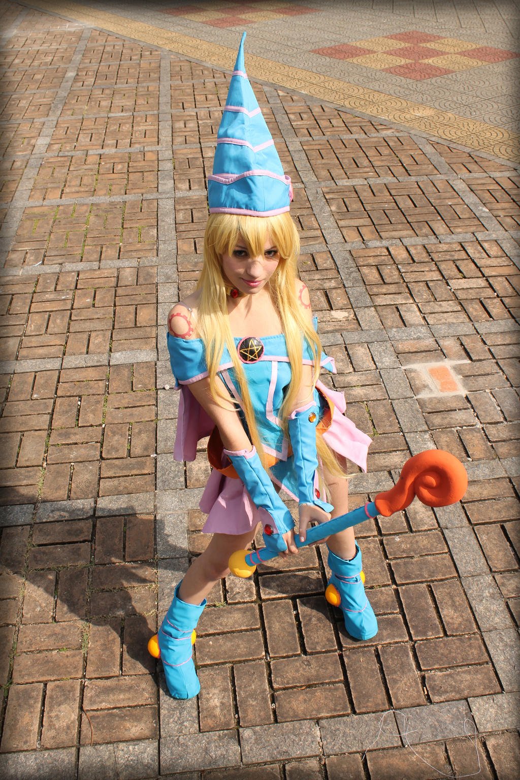Dark Magician Girl - Cosplay by MishiroMirage
