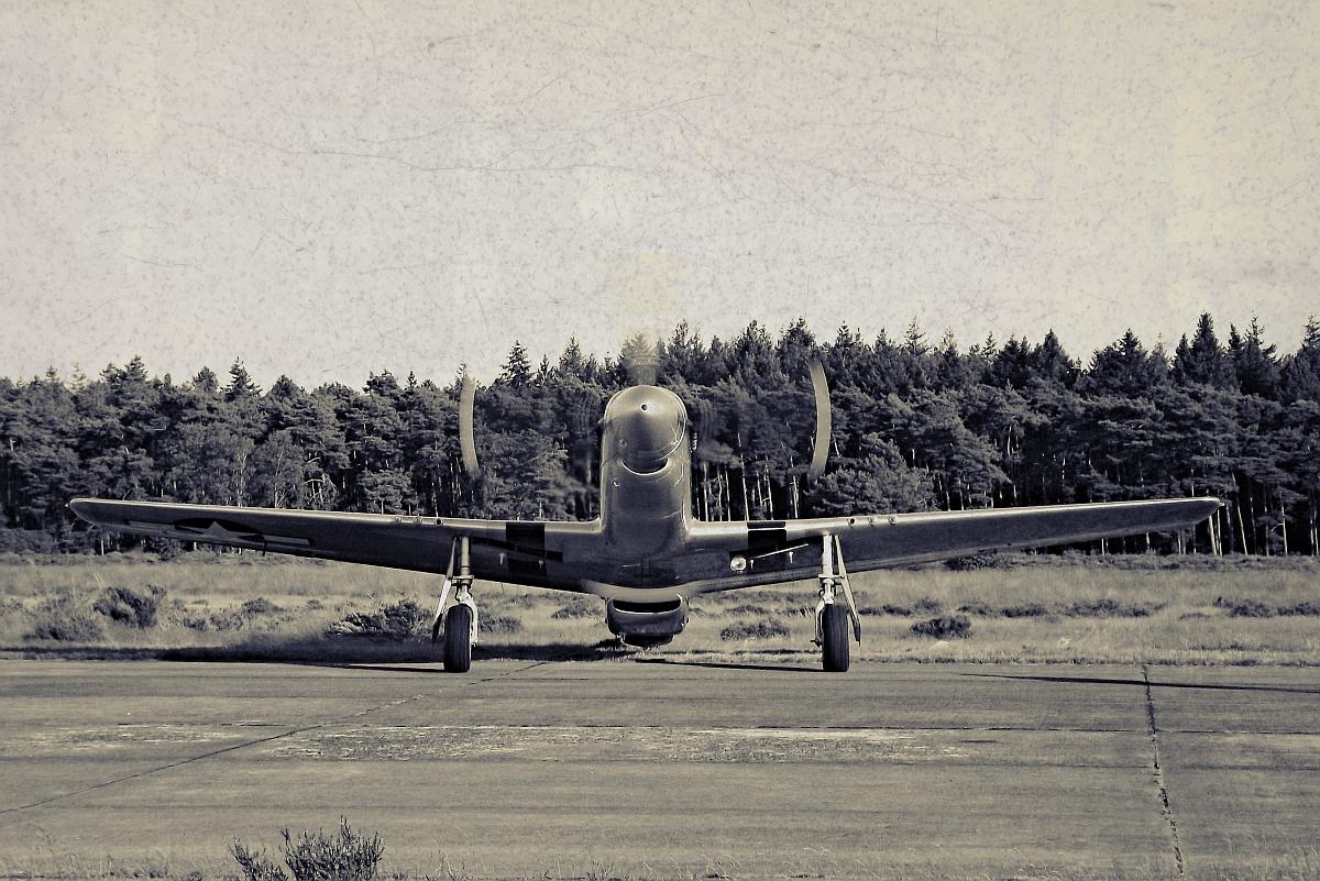 P-51 Mustang by Velvet-Lies