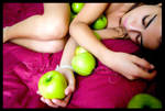 Love . Apples by moOnxinha
