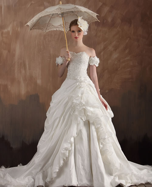 Luxury 1920 style vintagetrain wedding dresses by for Wedding dresses in the 1920s