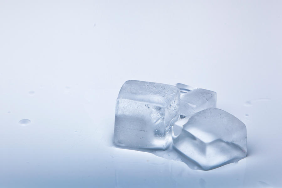 Ice Cube Stock 1 by pixelmixtur-stocks
