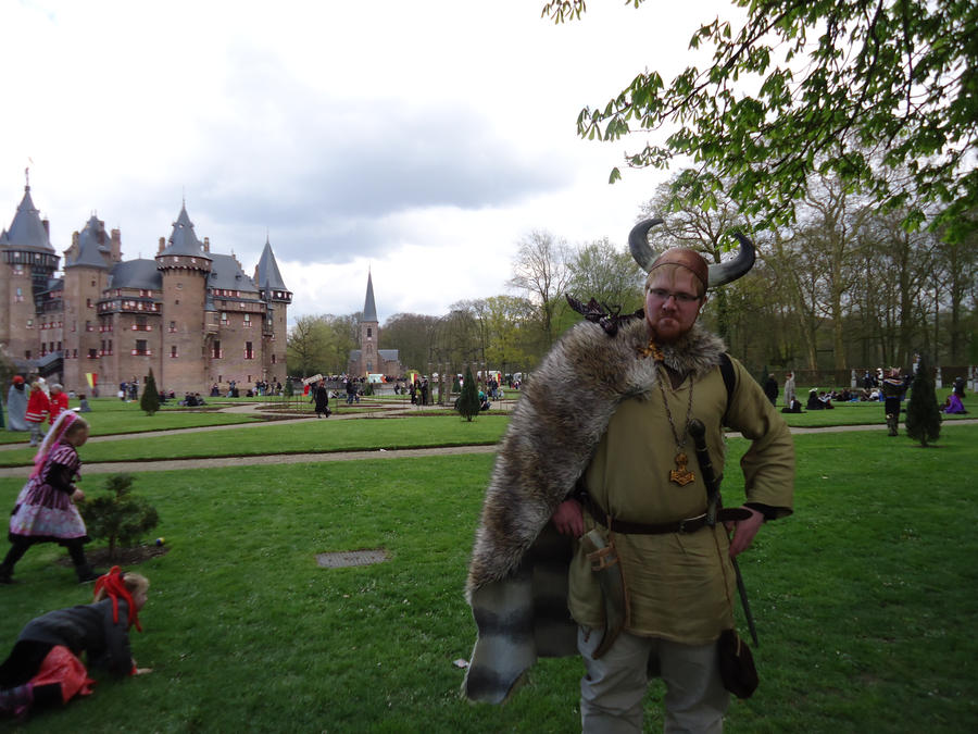 My brother and the castle by StarGateFanFre