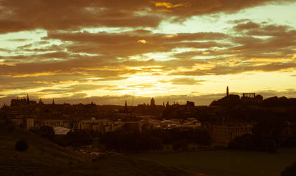 Sunset over Edinburgh by RunaCorner