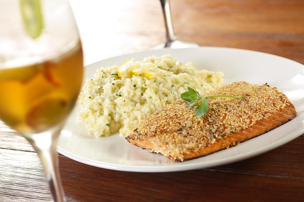 Dona Tomazia Salmon by gescosteguy