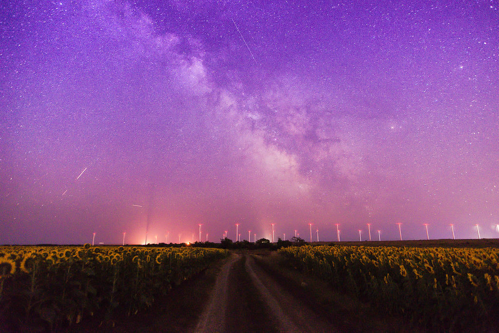 Stars over the wind generators by JosivBG