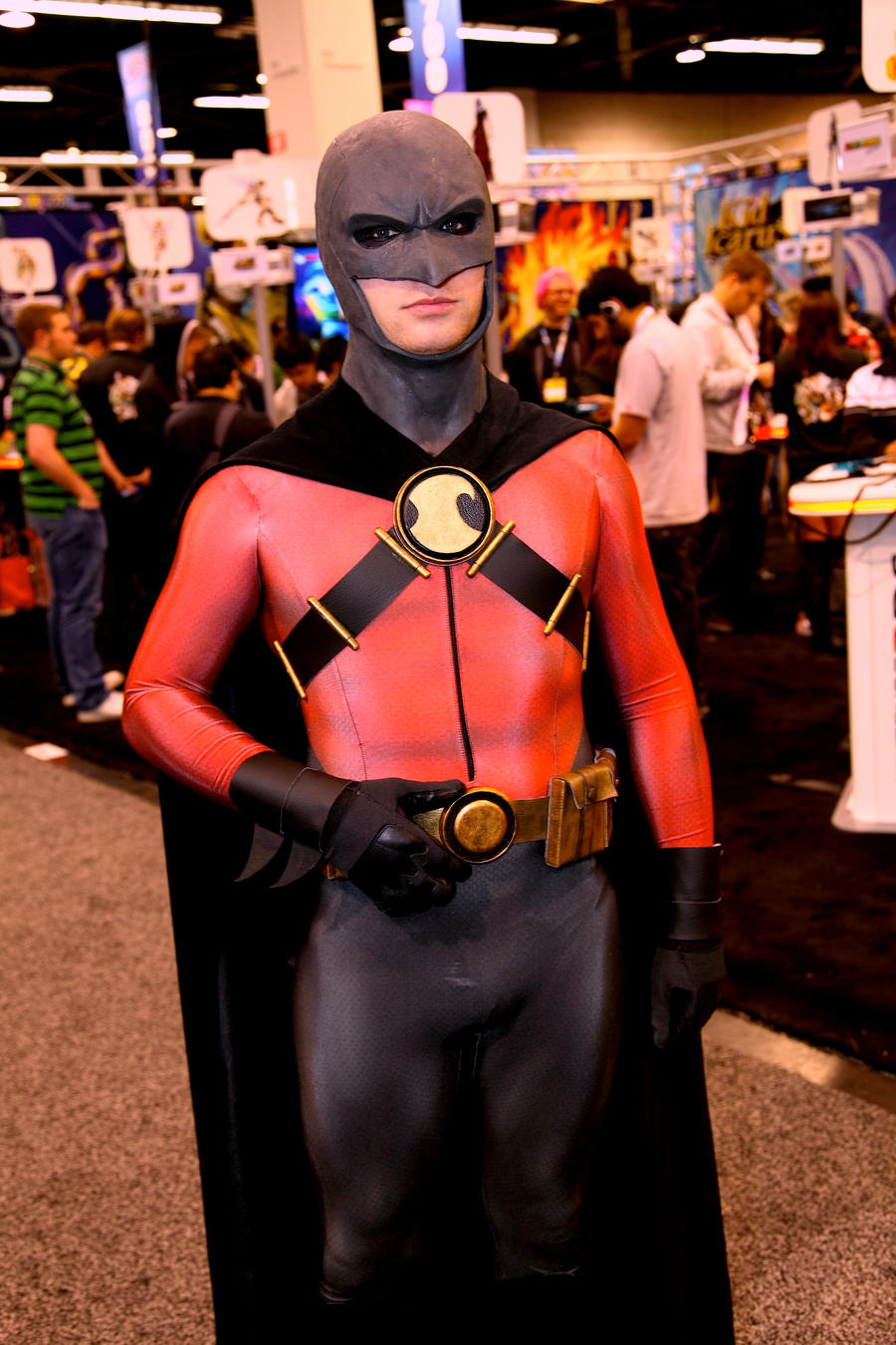 Red Robin Cosplay 3 by TimDrakeRobin