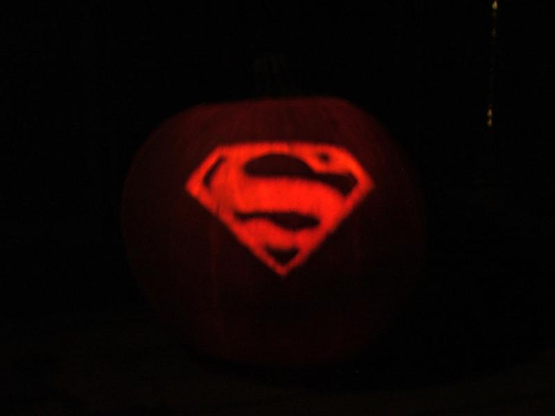 Glowing Superman Pumpkin By Vacantbeauty On Deviantart