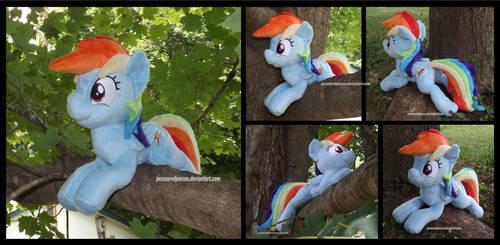 Rainbow Dash Beanie by Peruserofpieces