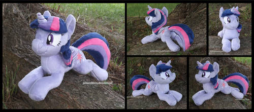 Twilight Sparkle Beanie by Peruserofpieces