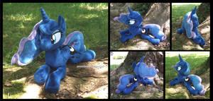 Princess Luna (royal blue, au naturel)
